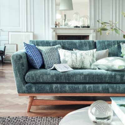 An Interior Designer's Guide to Arranging Cushions - Houzz